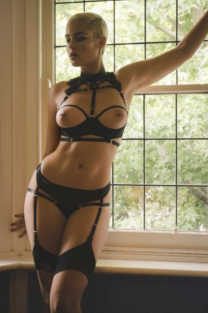 Stefania Ferrario Naked (20 Photos)