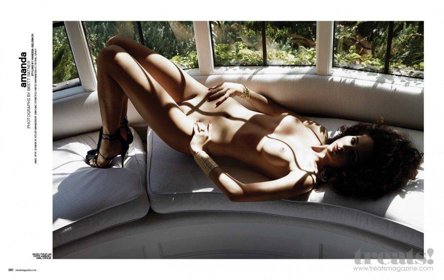 Amanda Marie Pizziconi Naked (5 Photos)