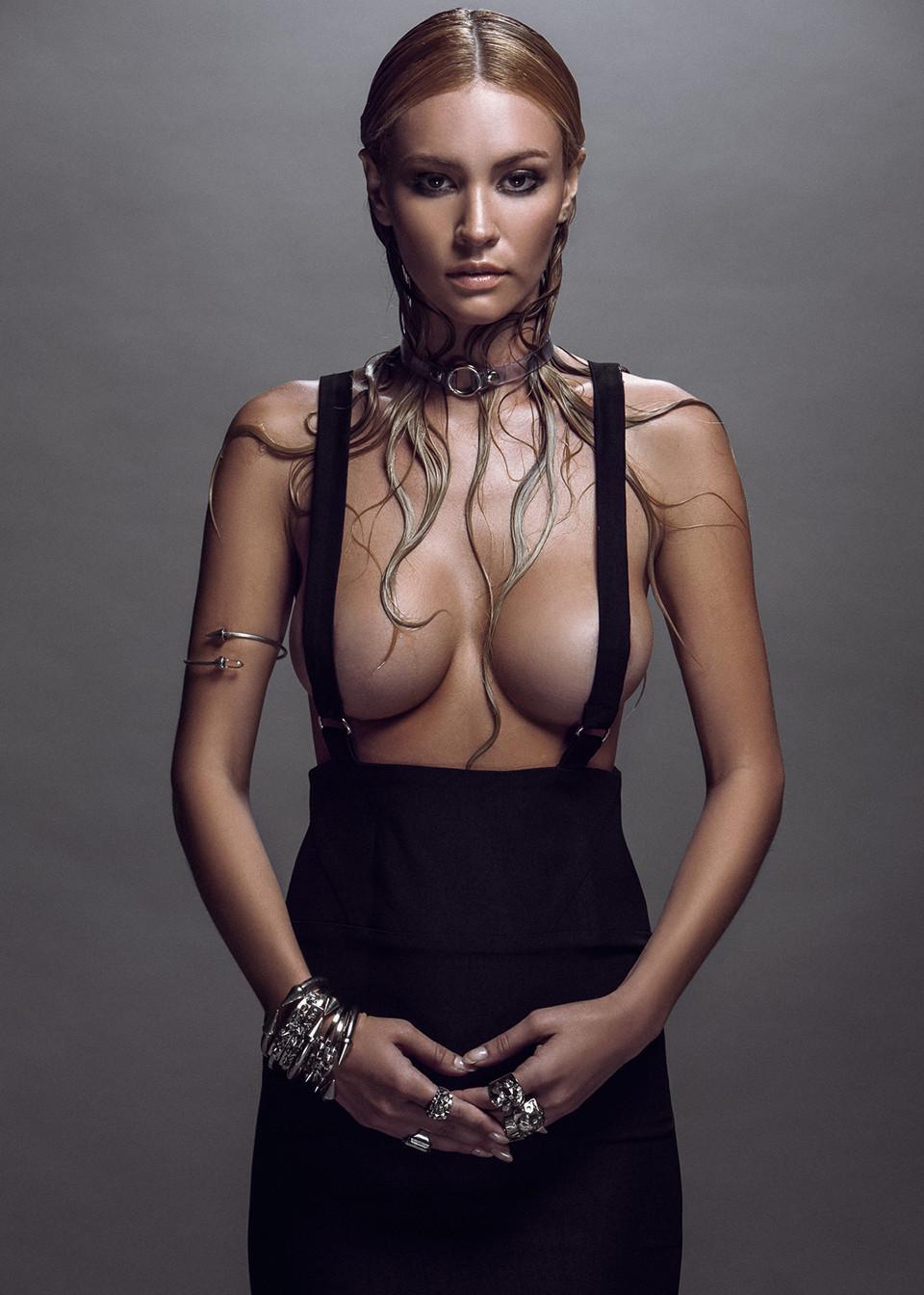 Bryana Holly-Naked-8