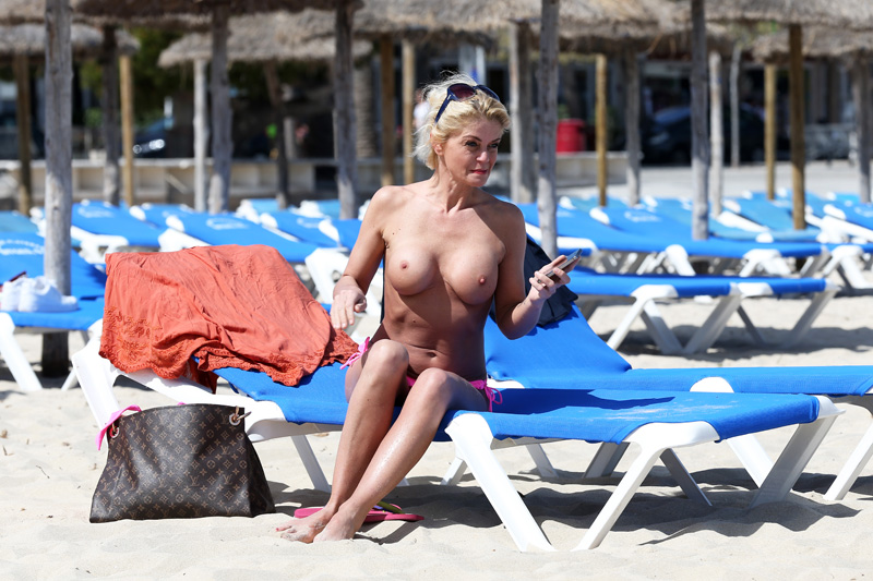 Danniella-Westbrook-Topless-3