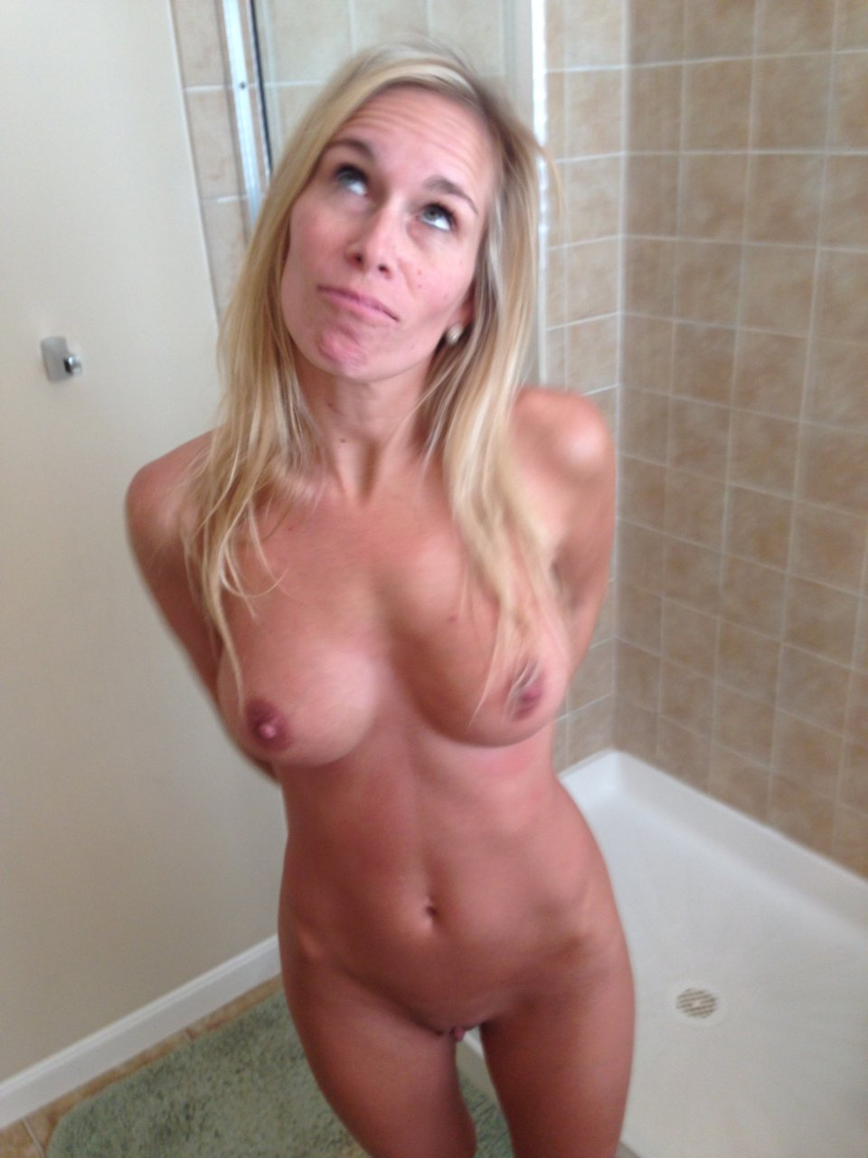 XXX Diana McCollister naked (33 photo), Tits, Paparazzi, Feet, cleavage 2015