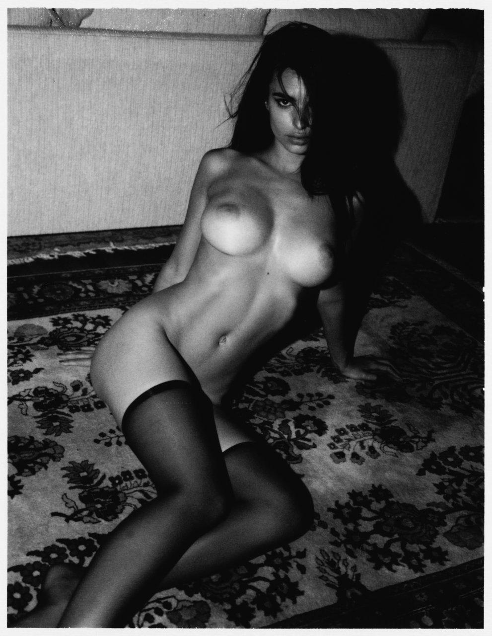 emily ratajkowski nudes