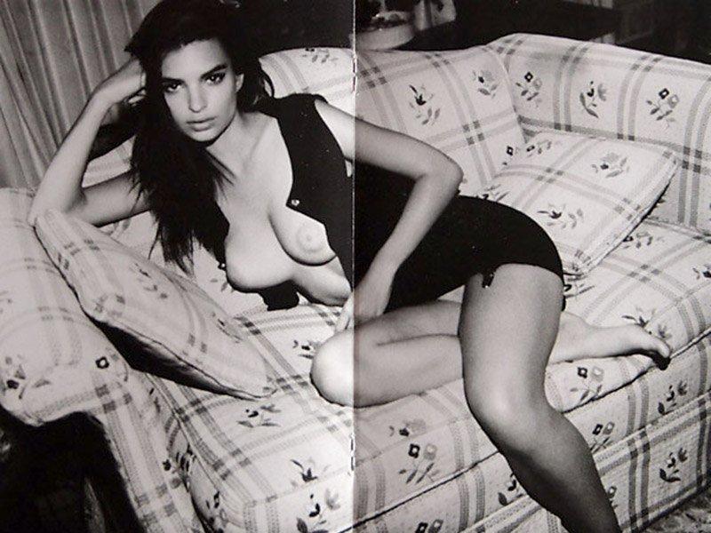 Emily Ratajkowski Naked (10 Photos)