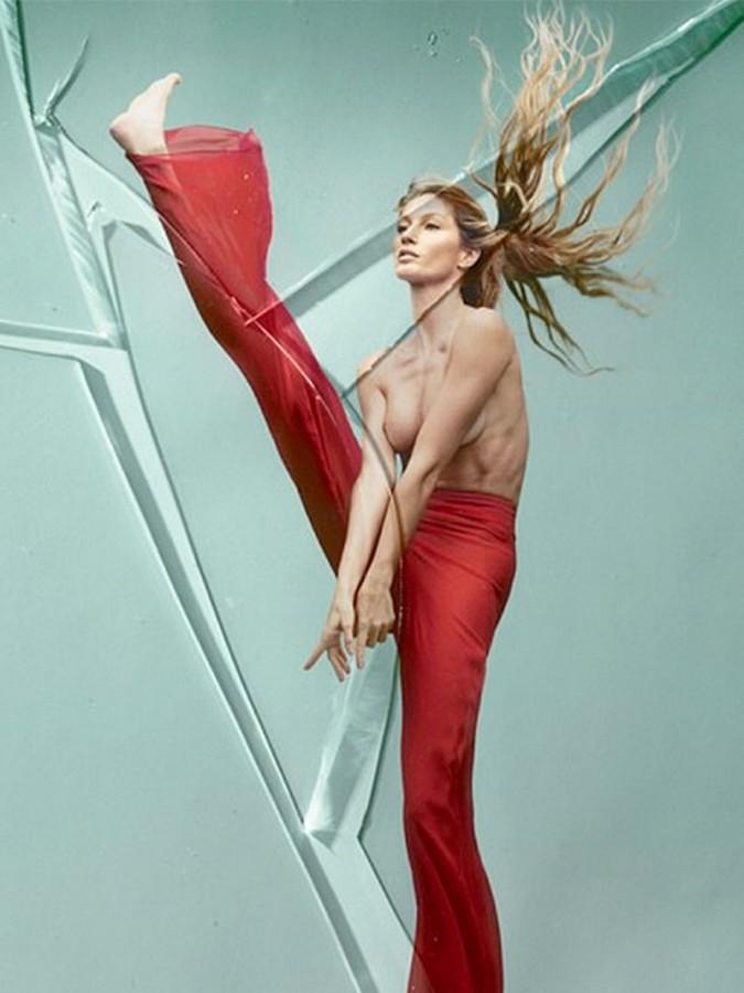 Gisele Bundchen Topless (3 New Photos)