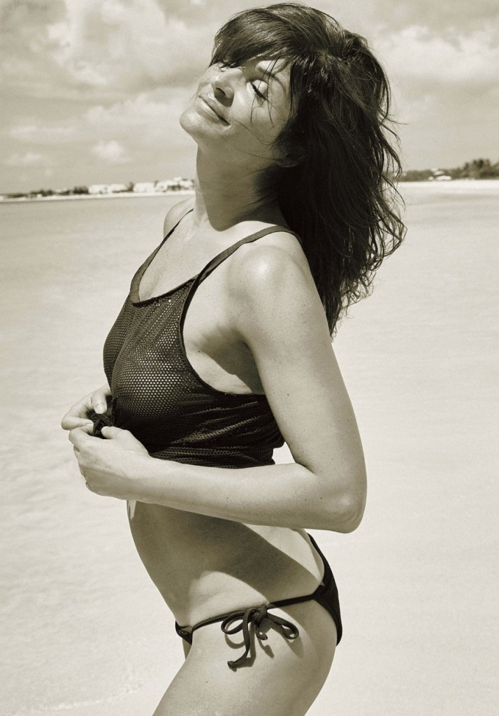 Helena Christensen Topless (11 Photos)