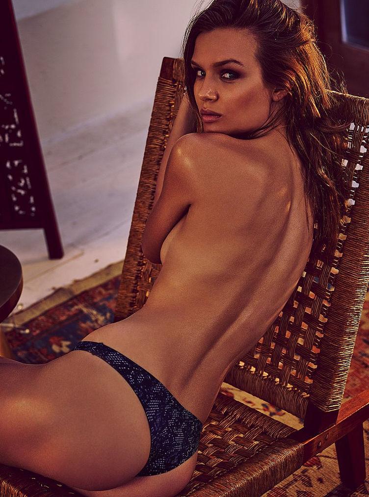 Josephine Skriver Naked (22 Photos)