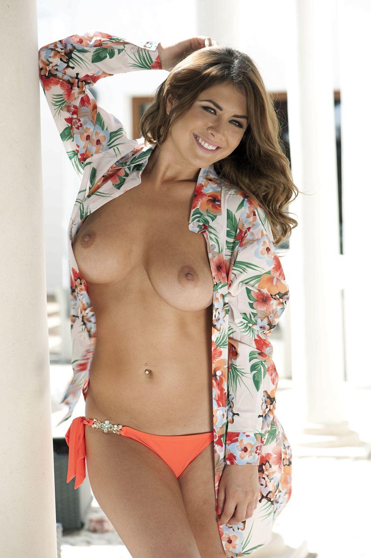 Kelly Hall Topless (3 Photos)