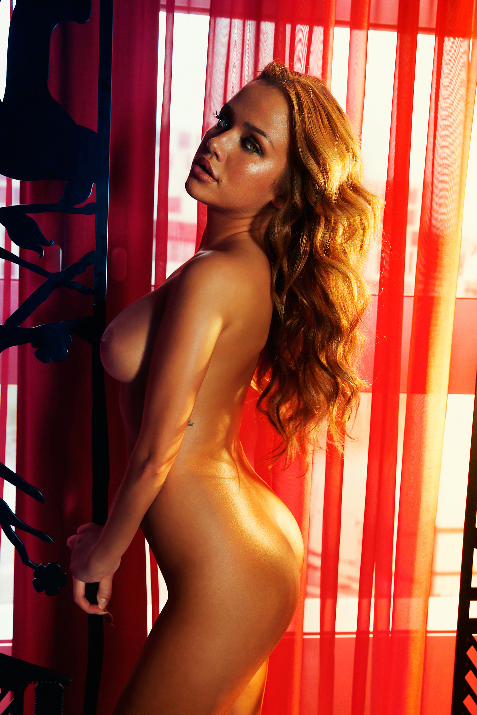 Kim Gloss Nude (26 Photos) | #TheFappening