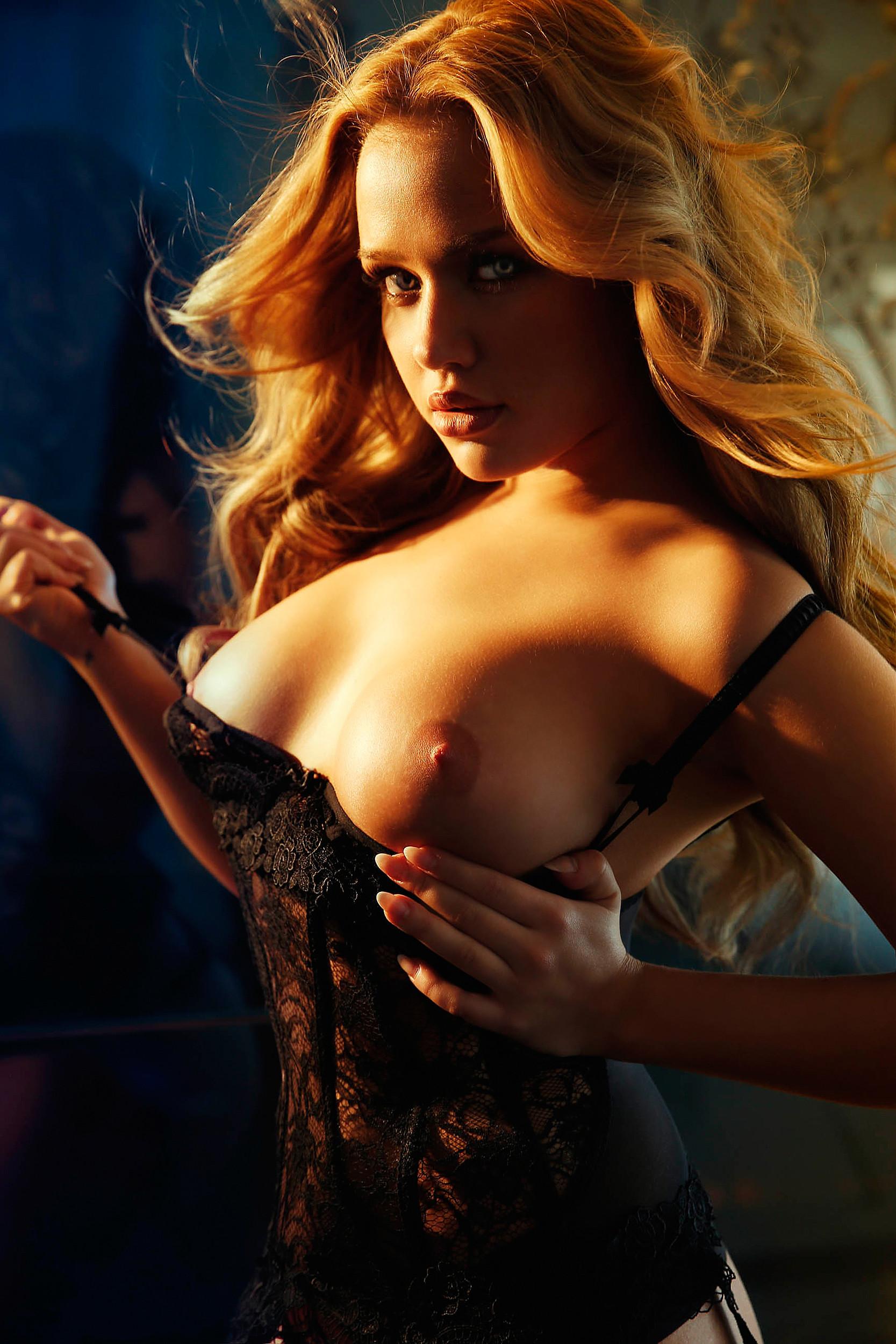 Kim Gloss Nude Photos and Videos