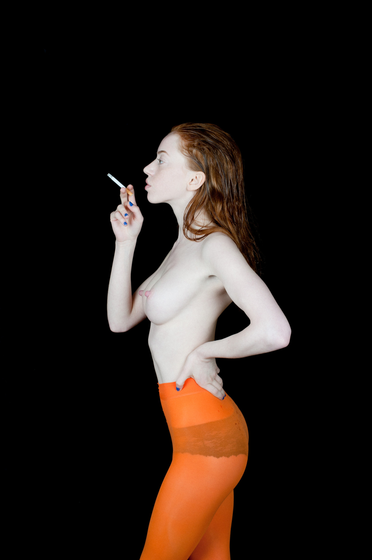 Lily Newmark Topless (8 Photos)