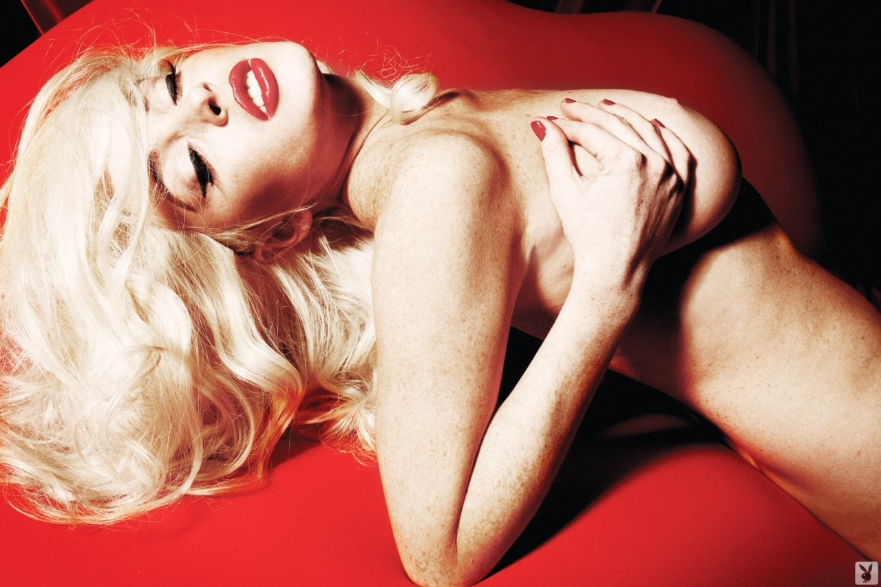 Nude Naked Celeb Lindsay Lohan