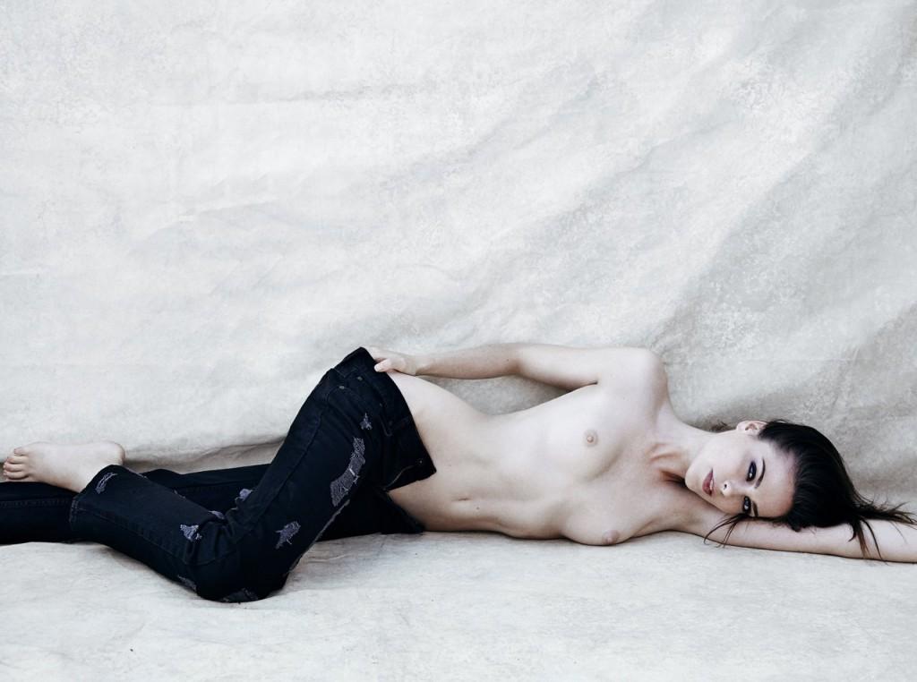 Maxine Schiff Topless (12 Photos)