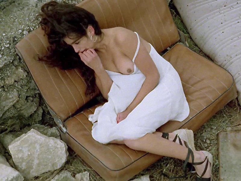 Penelope Cruz Topless (7 Photos)