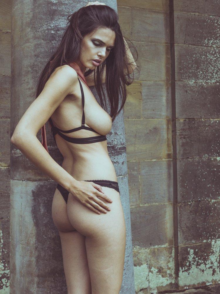 Rebecca Gobbi Topless (8 Photos)