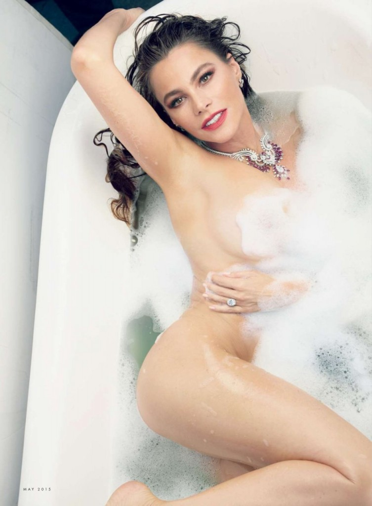 Sofia Vergara Naked 01