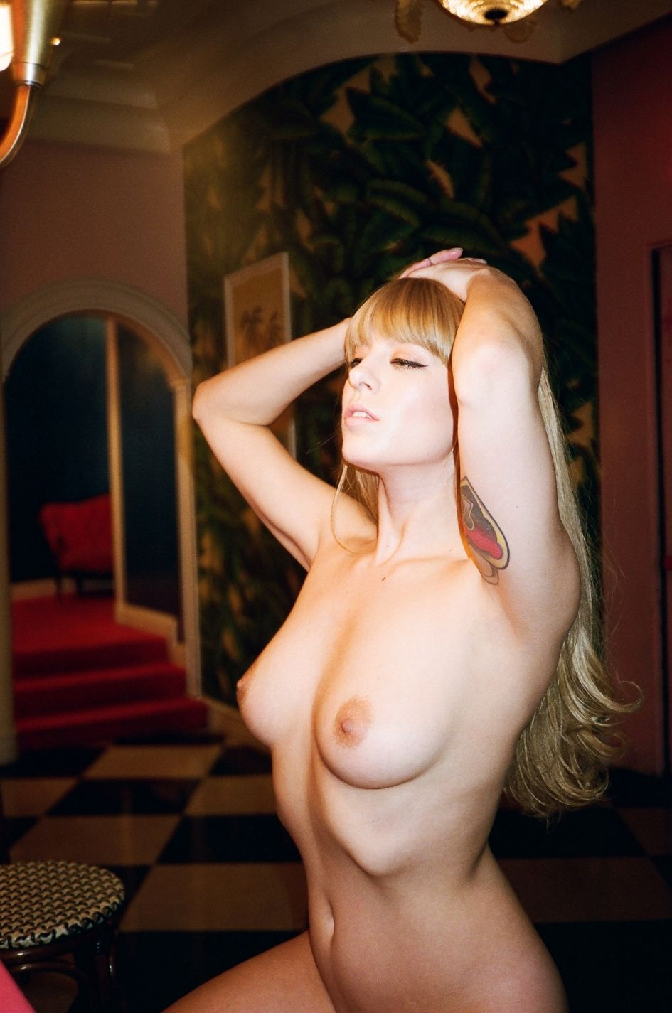 Alix Brown Nude (16 Photos)
