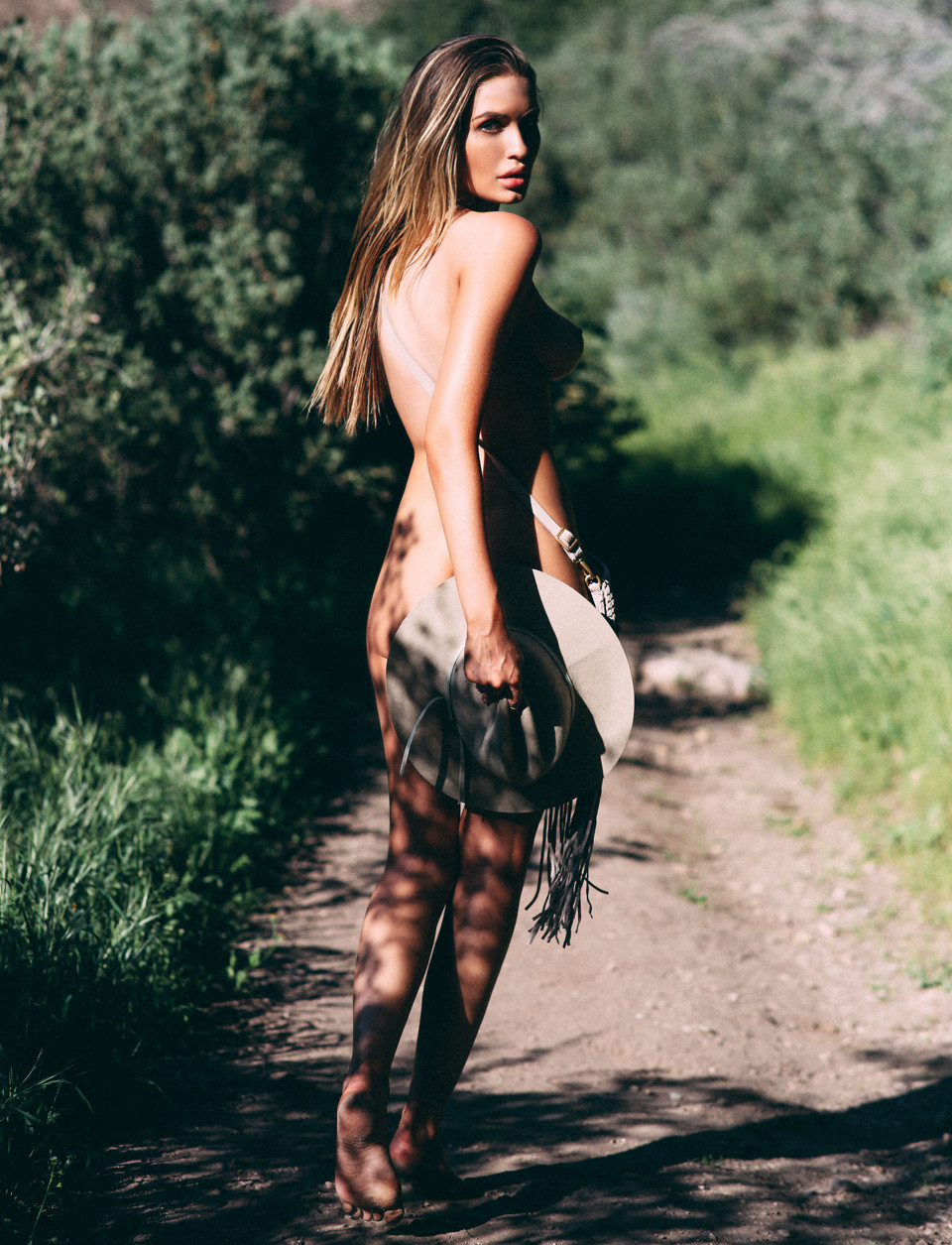 Alyse-Laurent-Naked-1