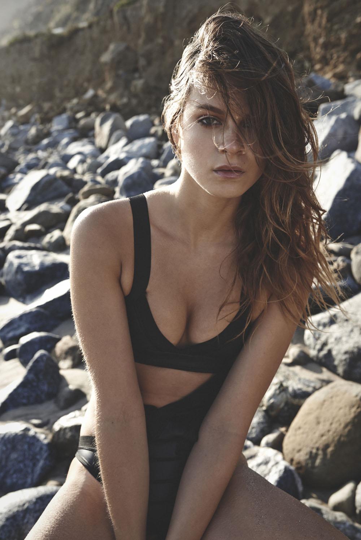 Ana Cristina Topless and Sexy (13 Photos)