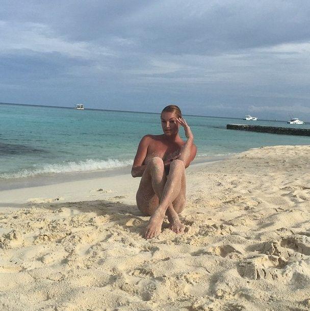 Anastasia-Volochkova-Topless-11