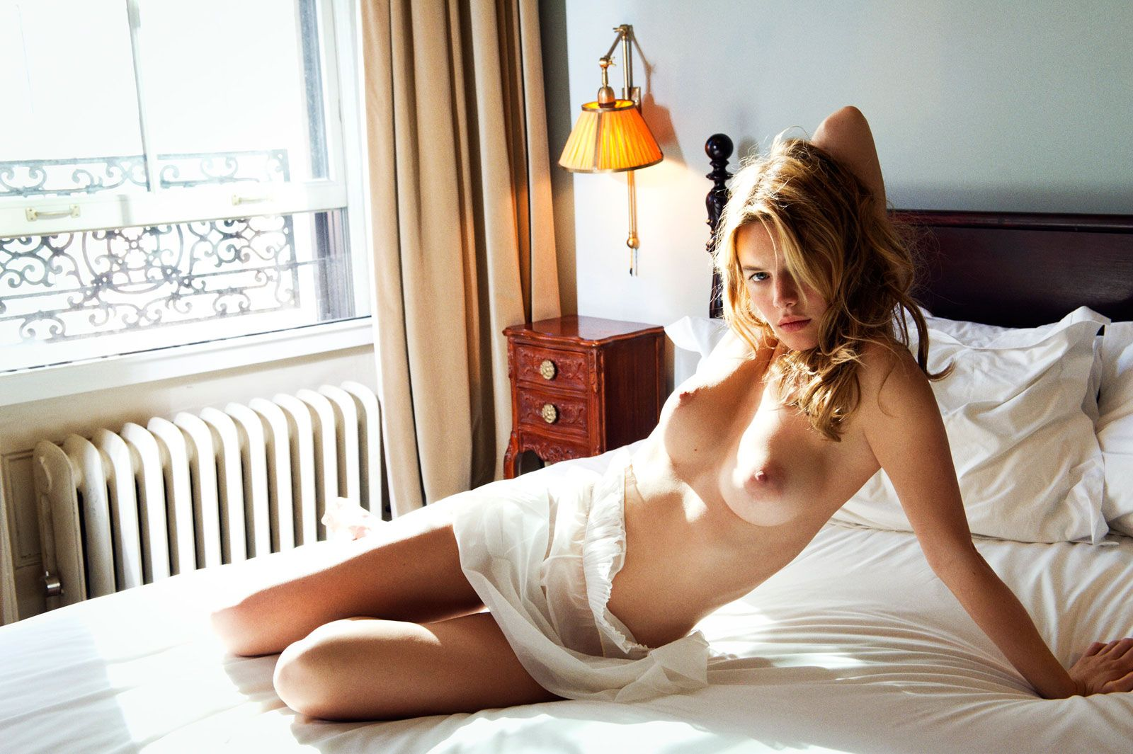 Camille-Rowe-Nude-4