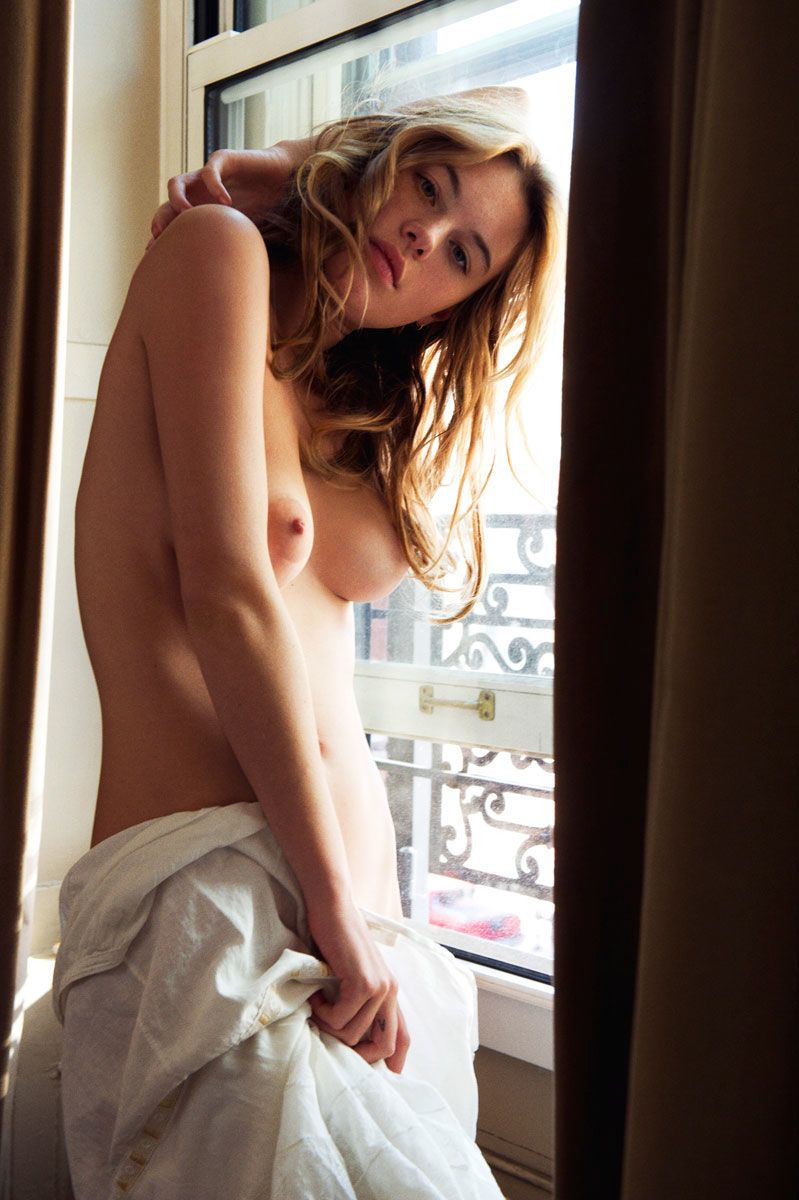 Camille-Rowe-Nude-9