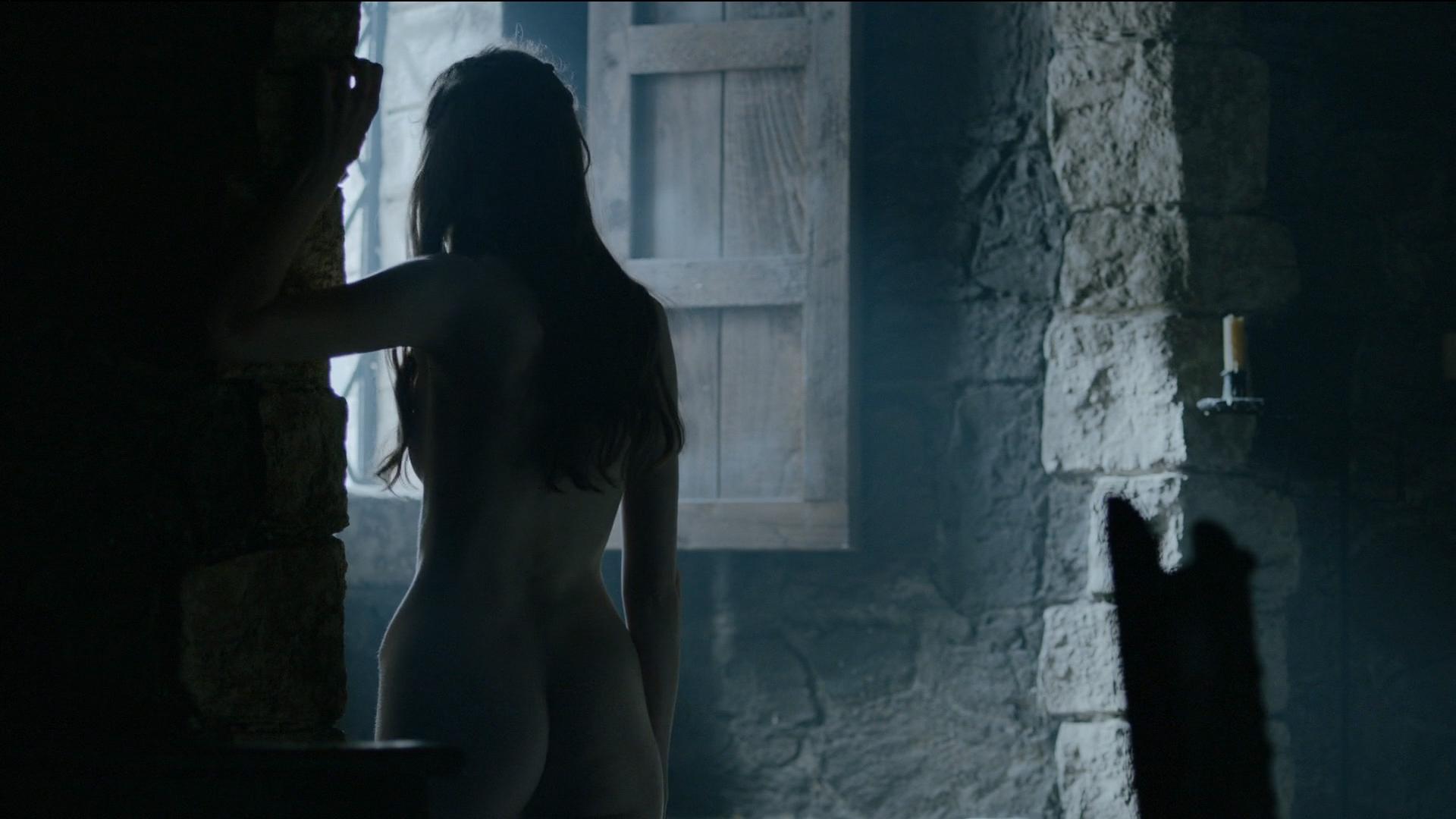 Charlotte-Hope-Naked-12