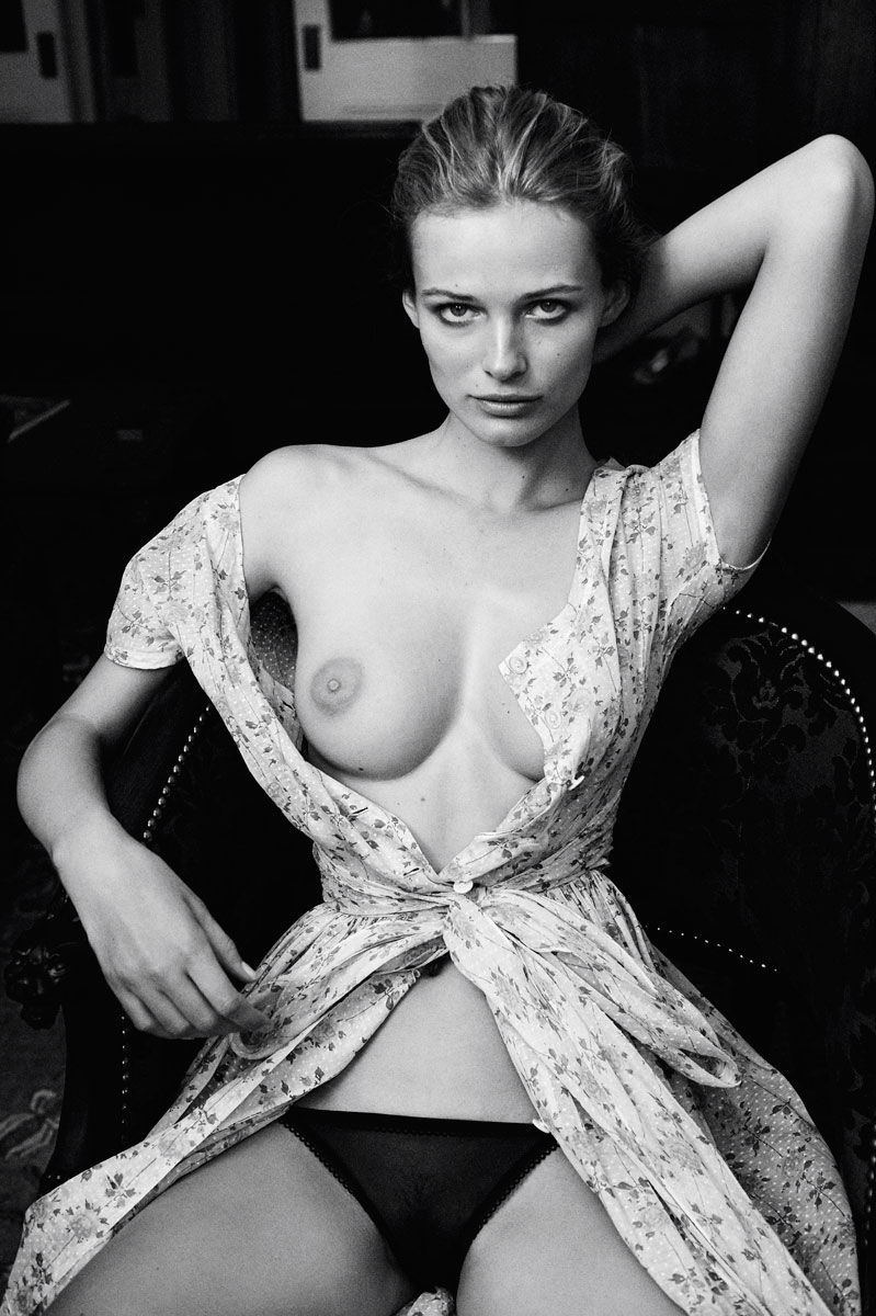Edita-Vilkeviciute-Topless-1