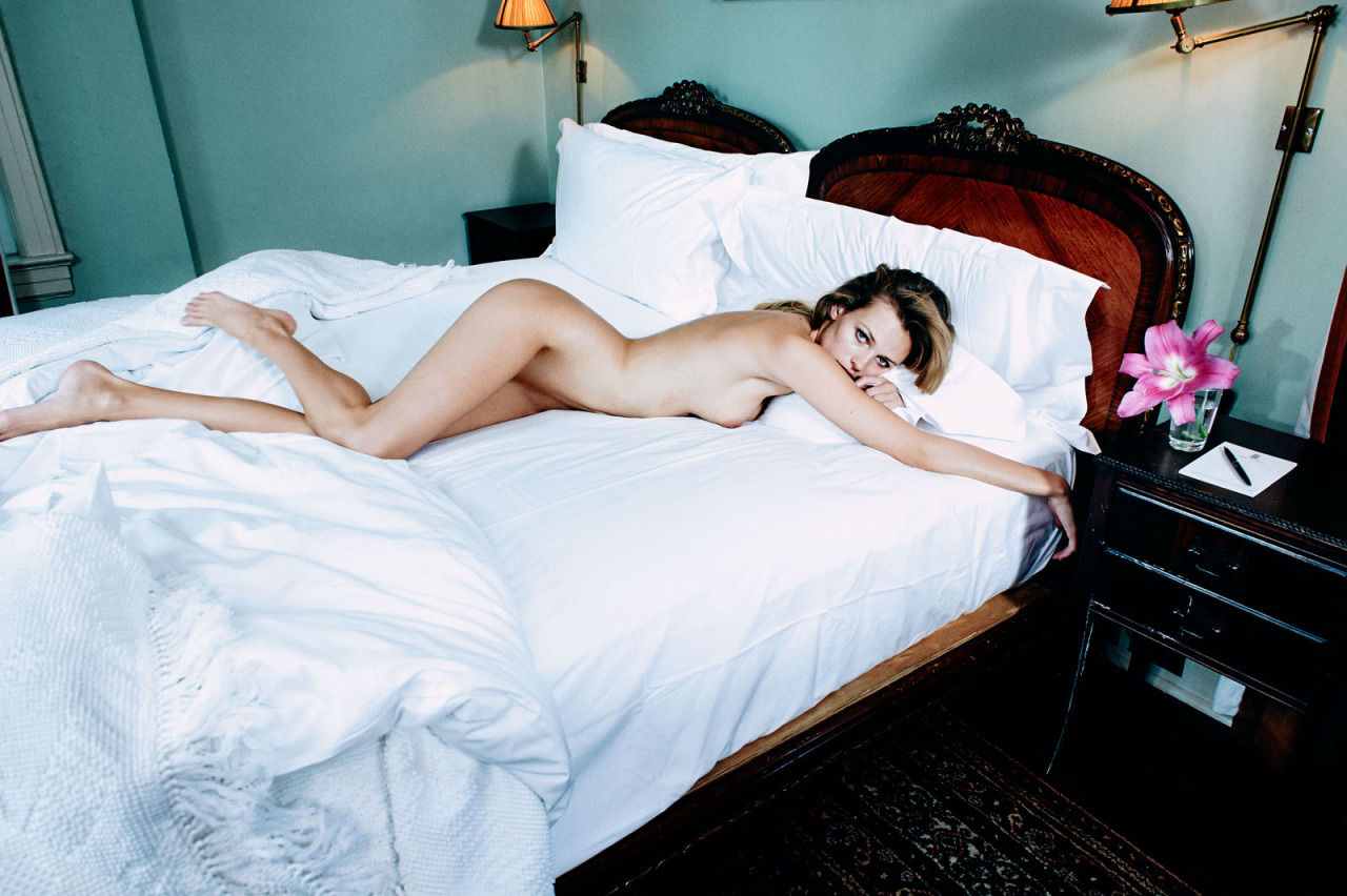 Edita-Vilkeviciute-Topless-2