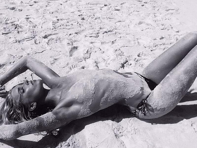 Elsa-Hosk-Topless-4