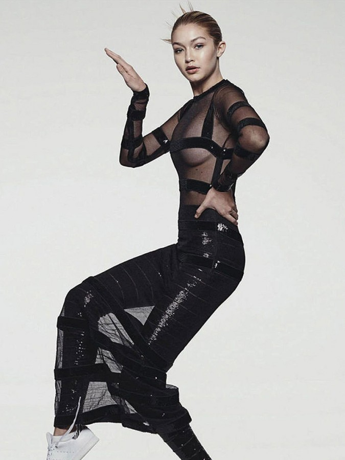 Gigi Hadid Sexy (7 Photos)
