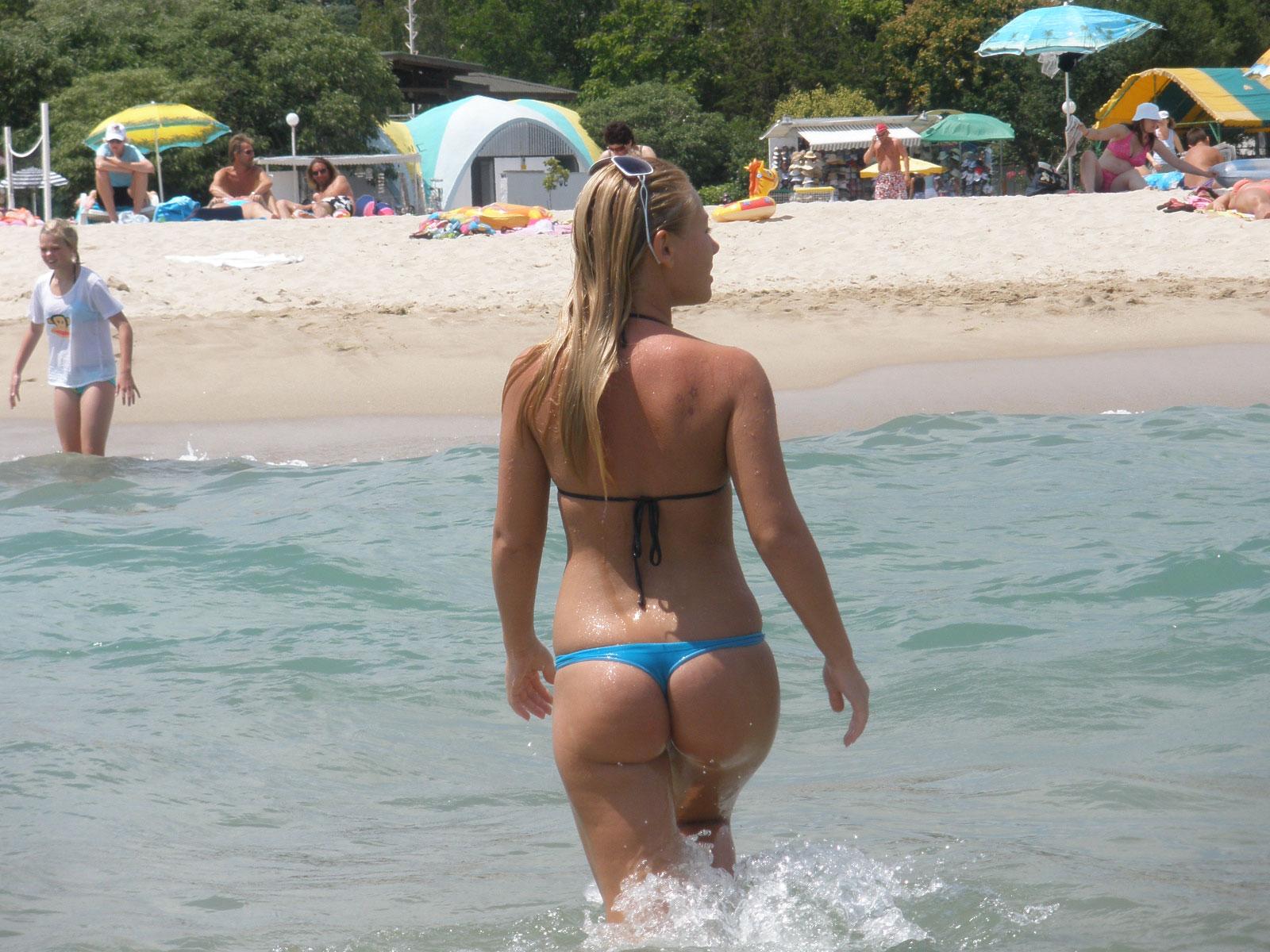 Фото женщин в стрингах на пляжах 1 фотография