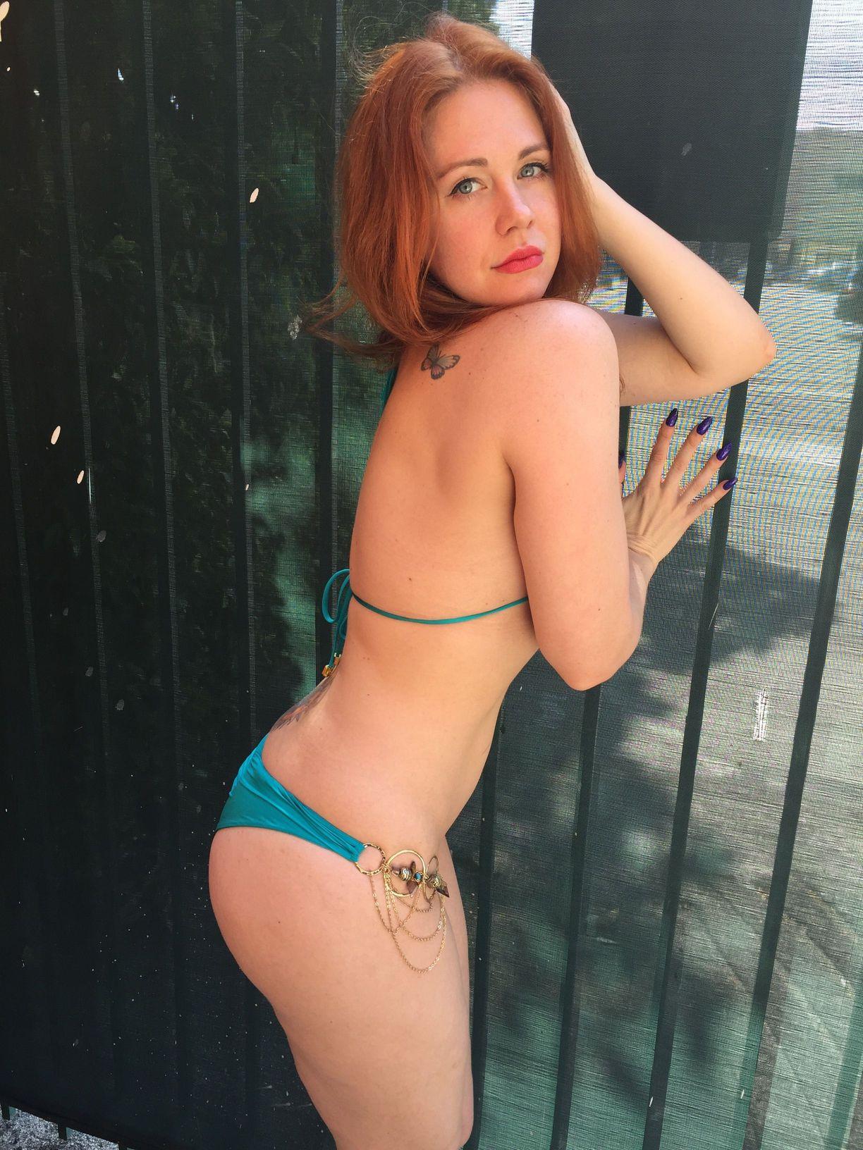 Maitland-Ward-in-Bikini-1