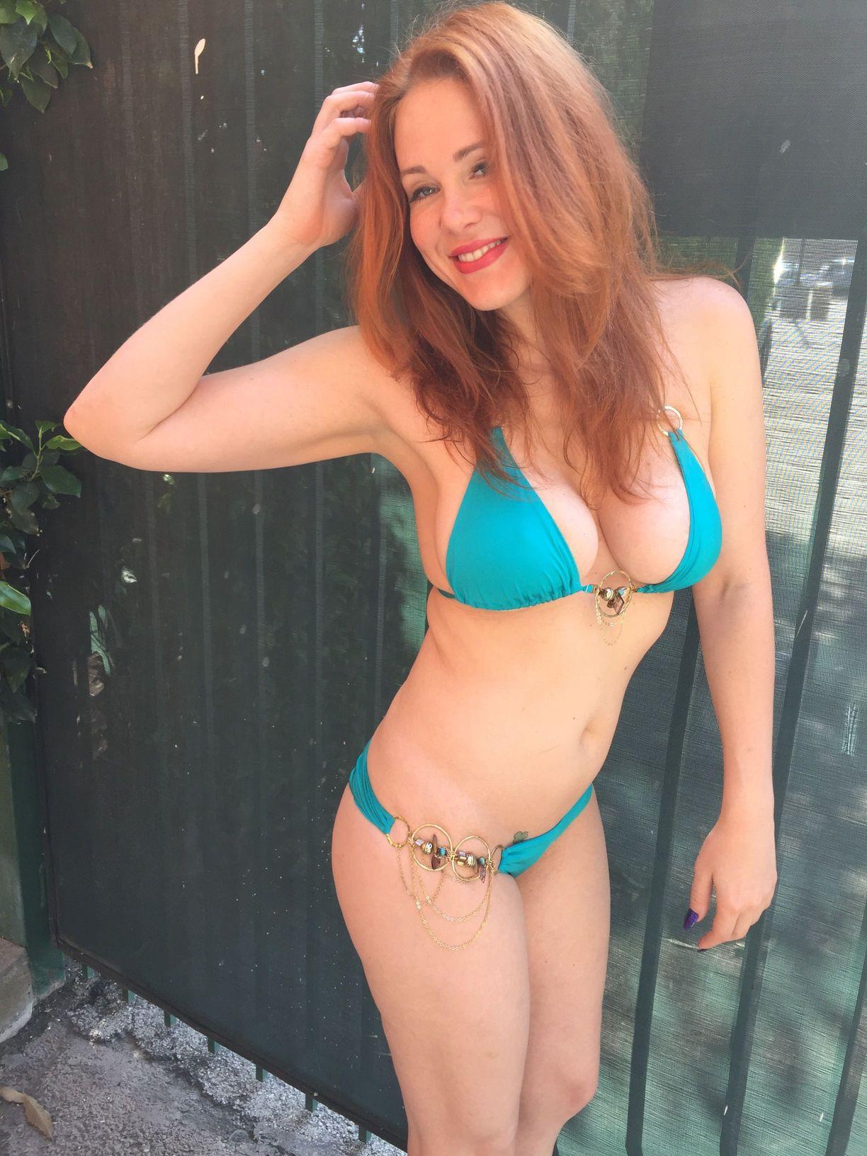 Maitland-Ward-in-Bikini-4