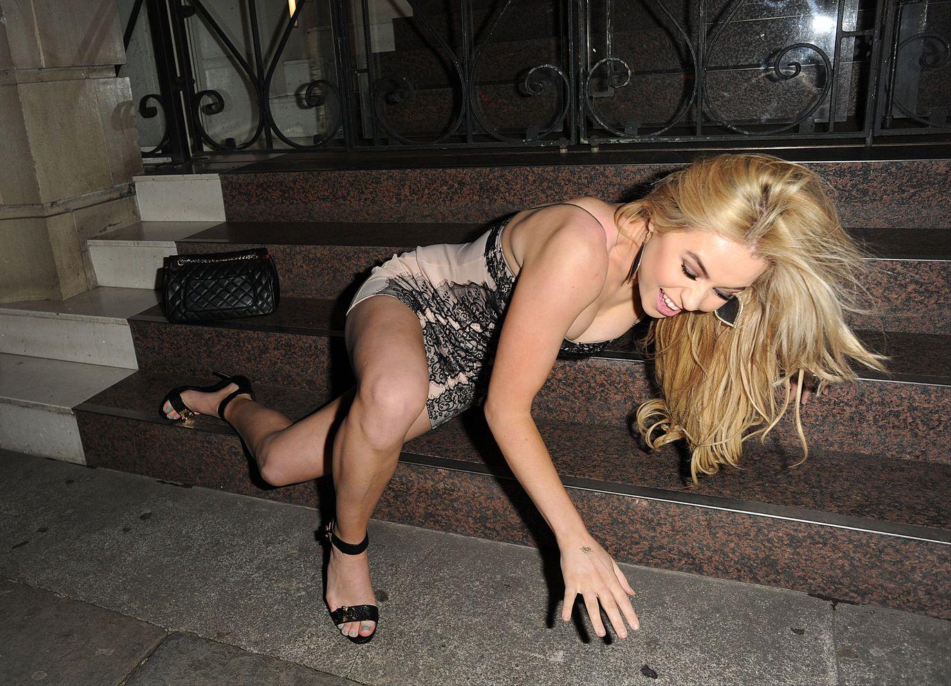 Melissa-Reeves-Nipple-Slip-Ass-8