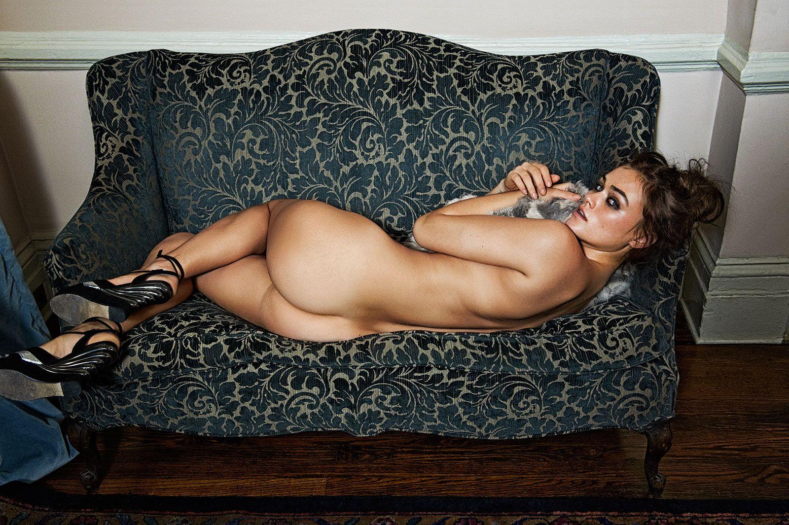 Myla-Dalbesio-Nude-1