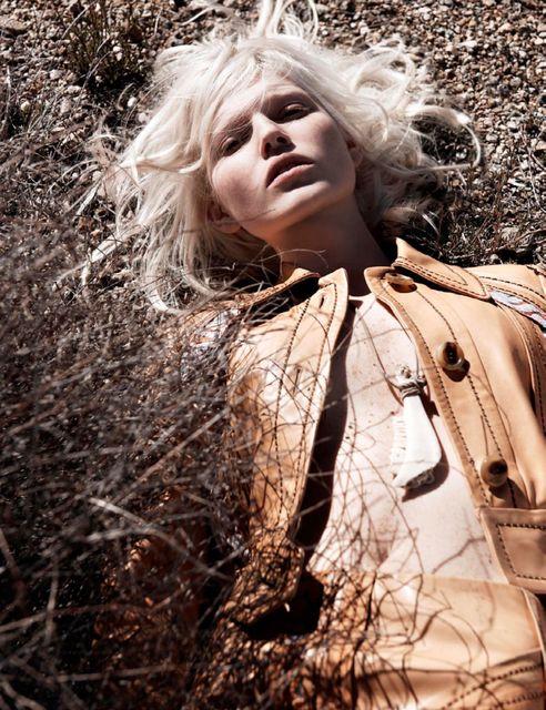 Ola Rudnicka Topless (6 Photos)