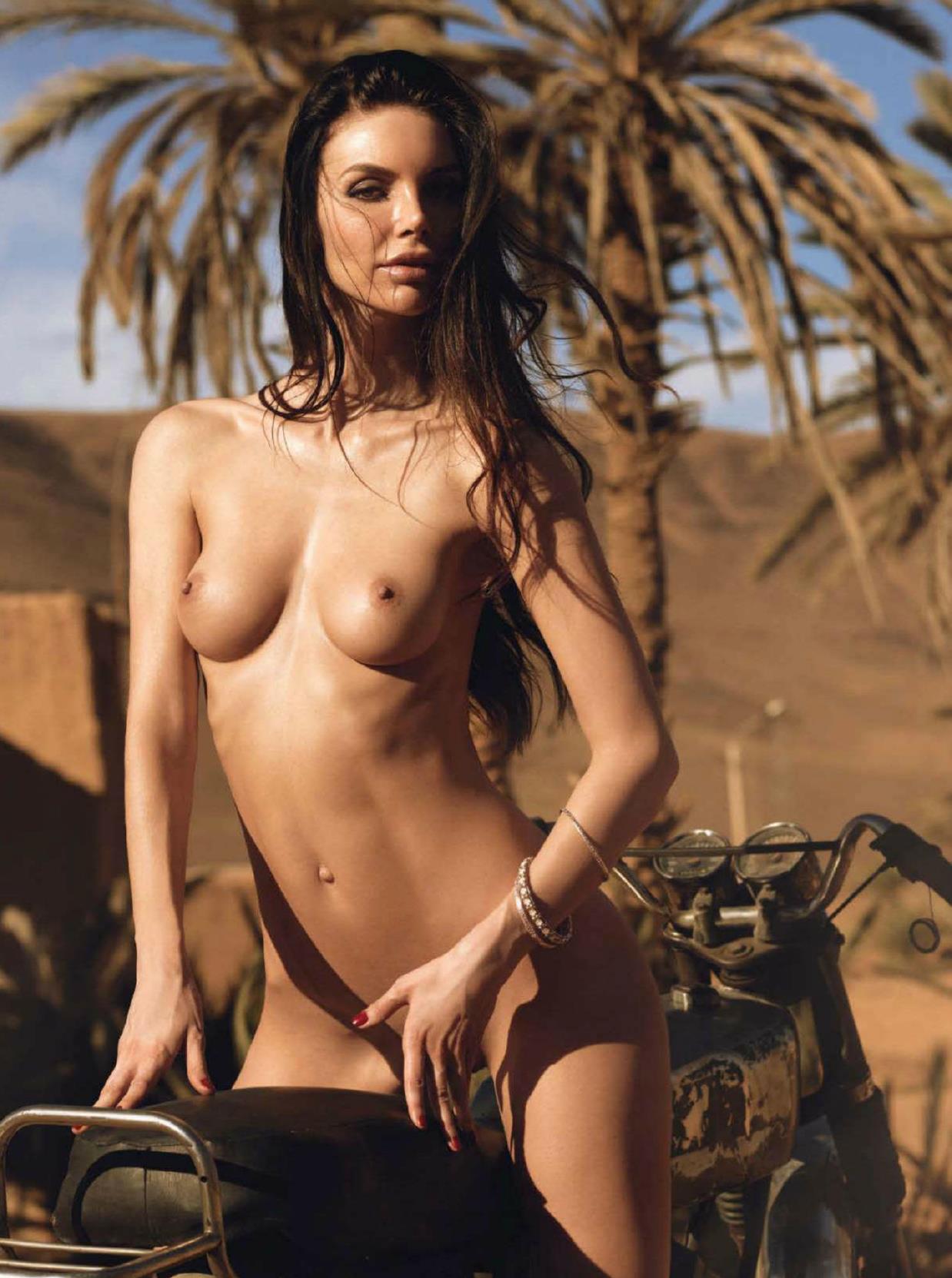 Naked Rom 90