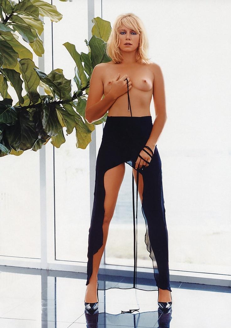 peta wilson nude pics