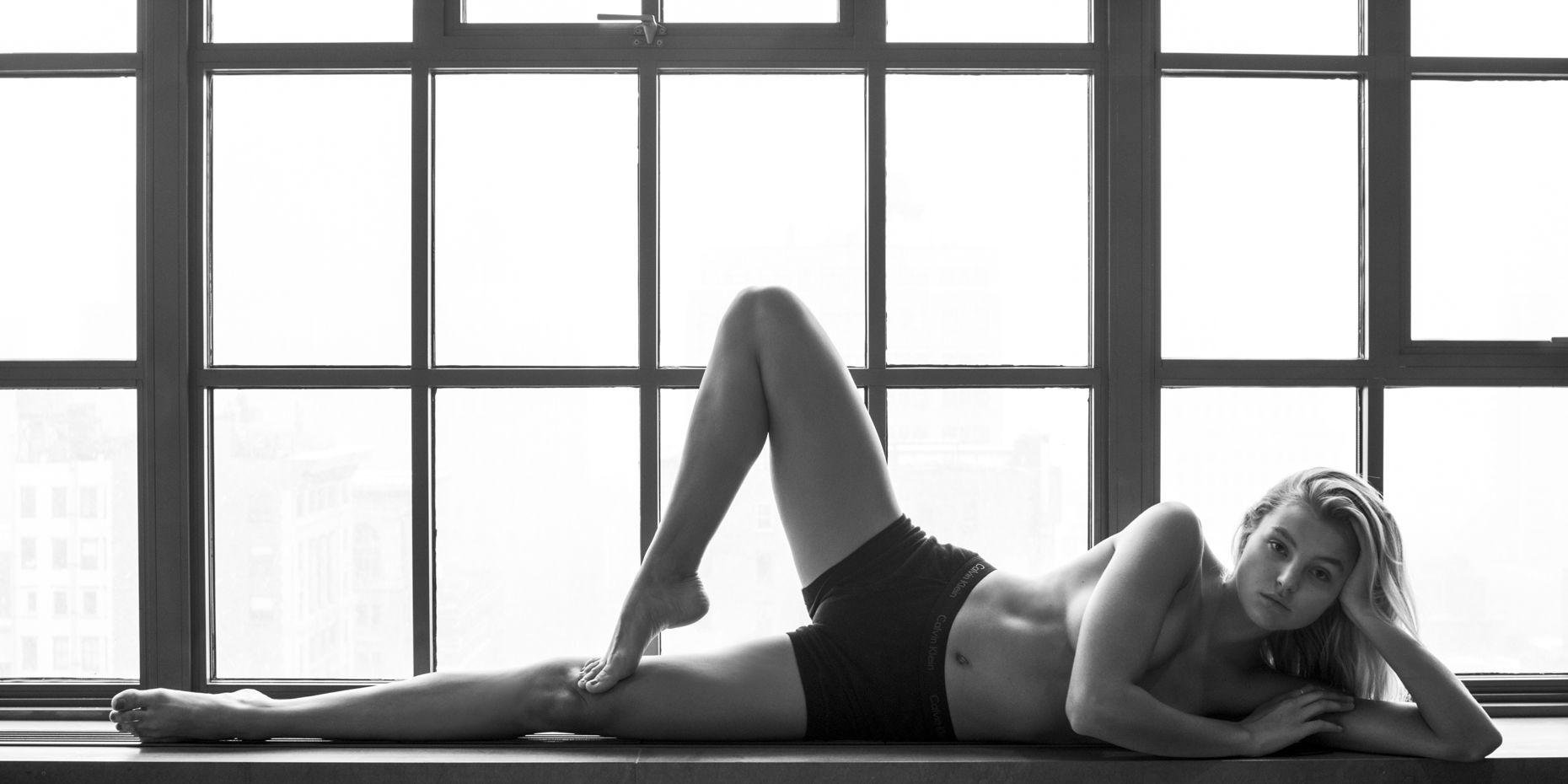 Rachel Hilbert Naked (2 New Photos) | #TheFappening: thefappening.so/rachel-hilbert-naked-2-new-photos