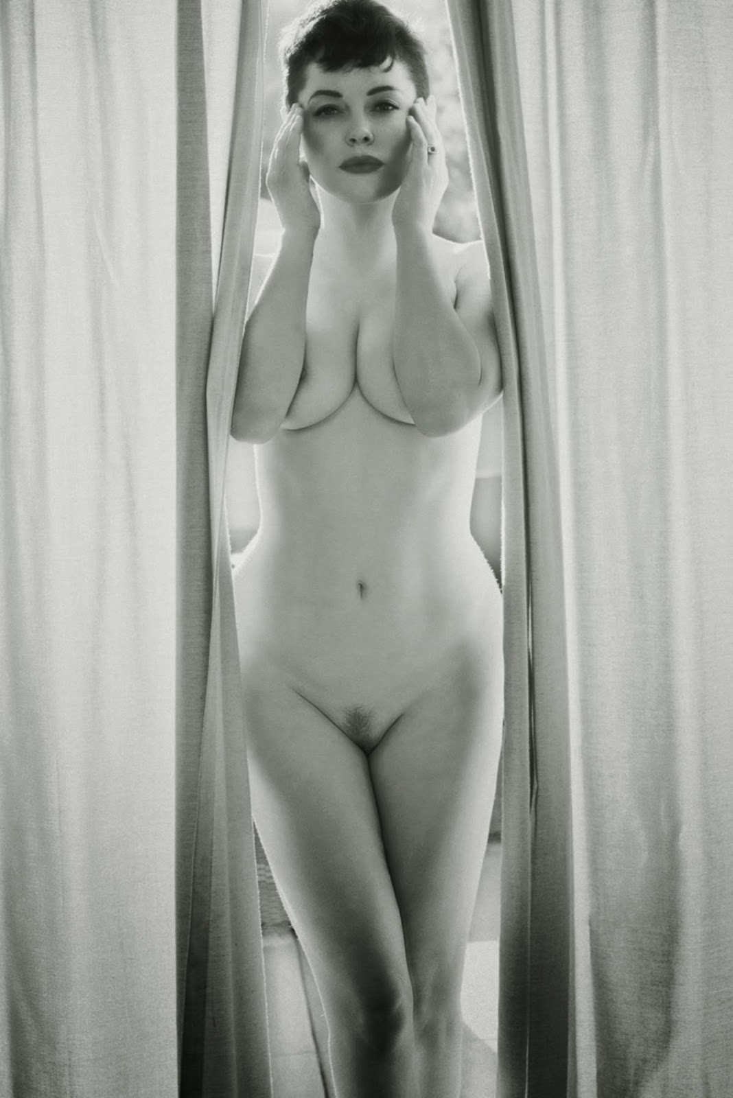 mcgowan nude Rose breast
