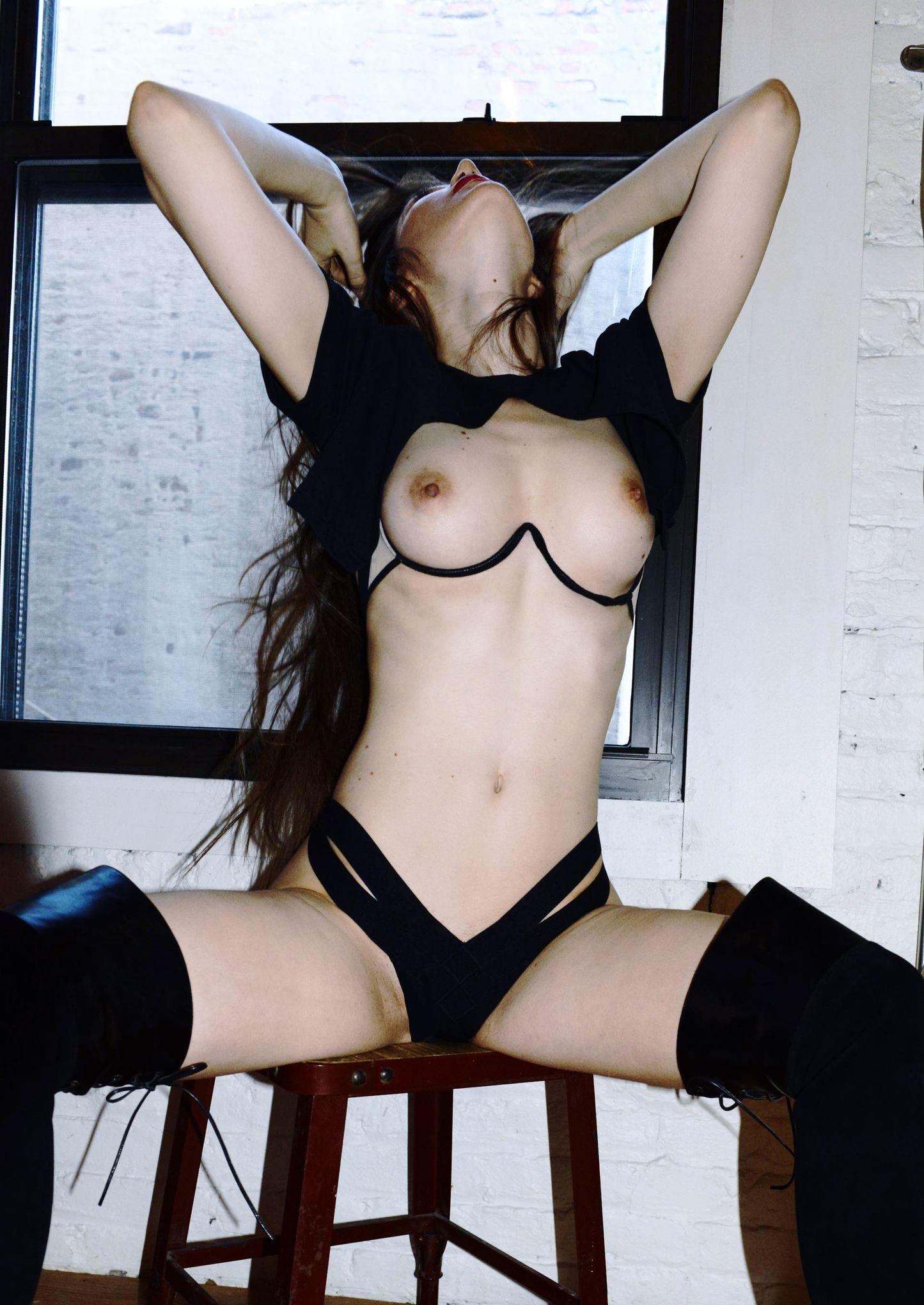 Taryn andreatta topless
