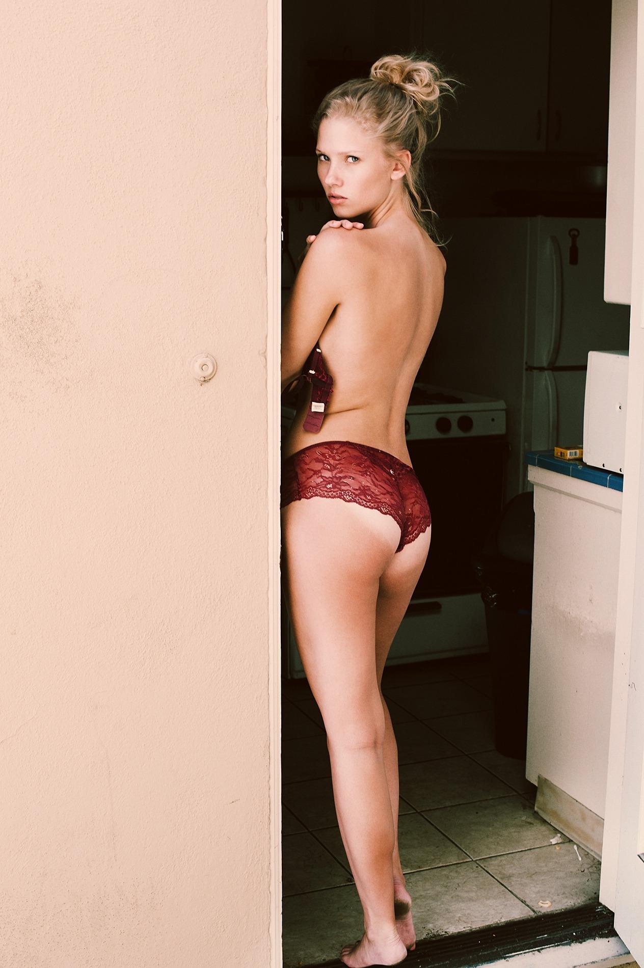 Berit Birkeland Topless (6 Photos)