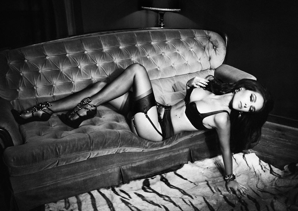 Charlie Dupont Topless (9 Photos)