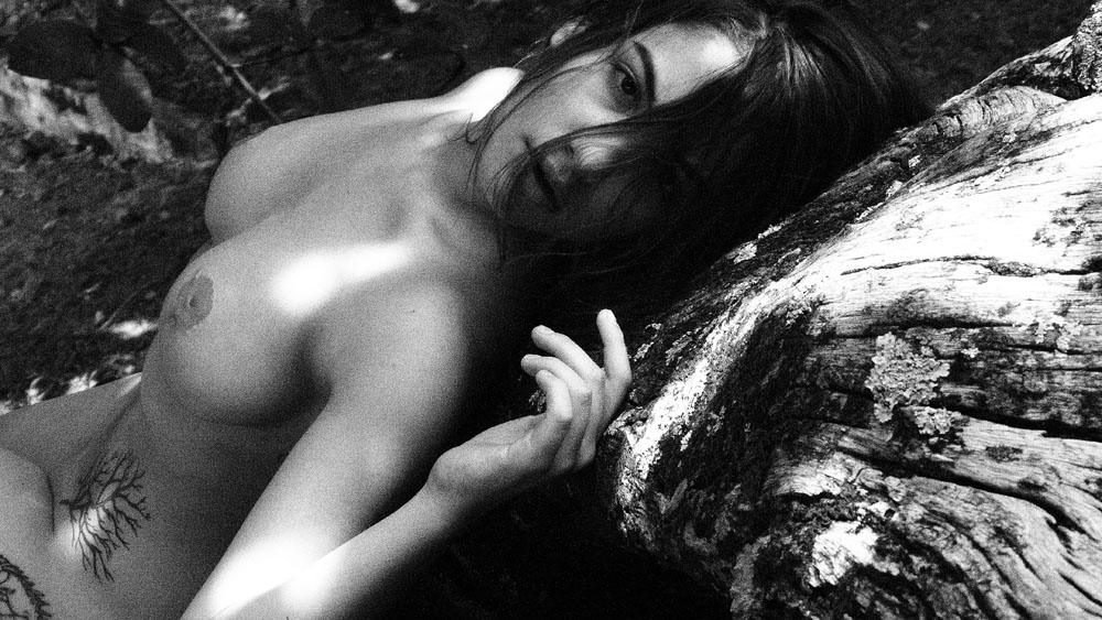 Daniela-Bedoya-Nude-8