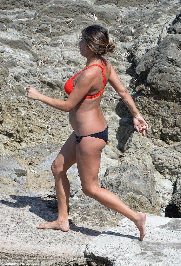 Elisabetta Canalis in Bikini (21 Photos)