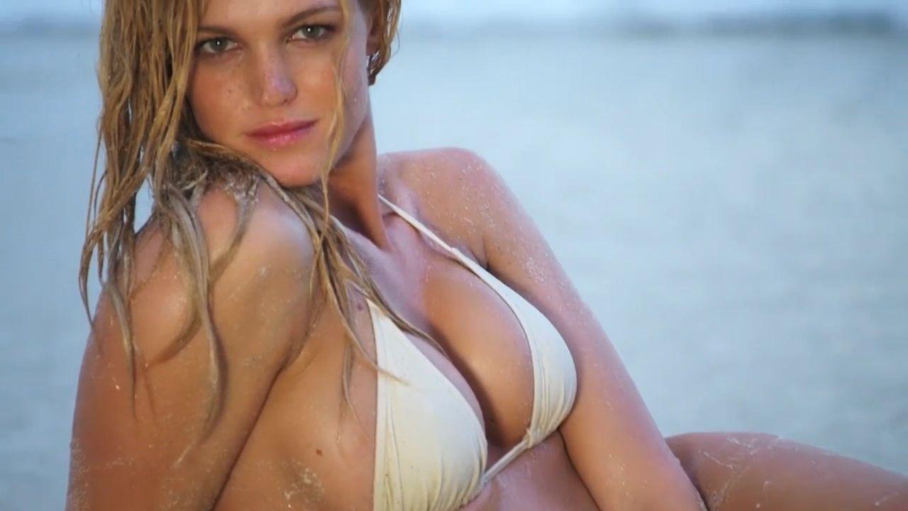 Erin Heatherton Sexy (10 Photos)