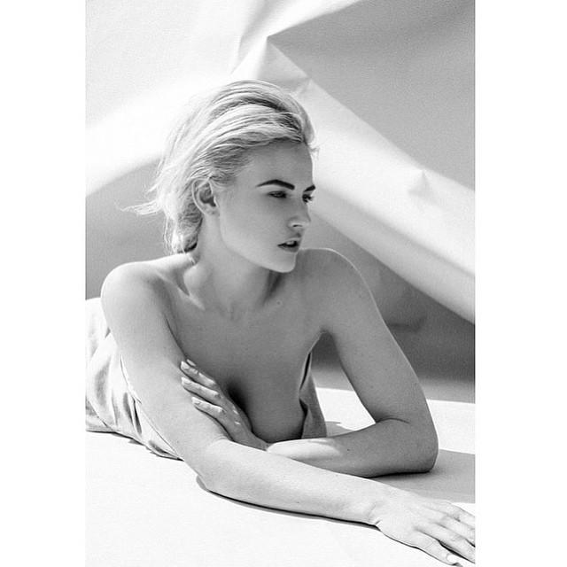 Gia Genevieve Topless (4 Photos)