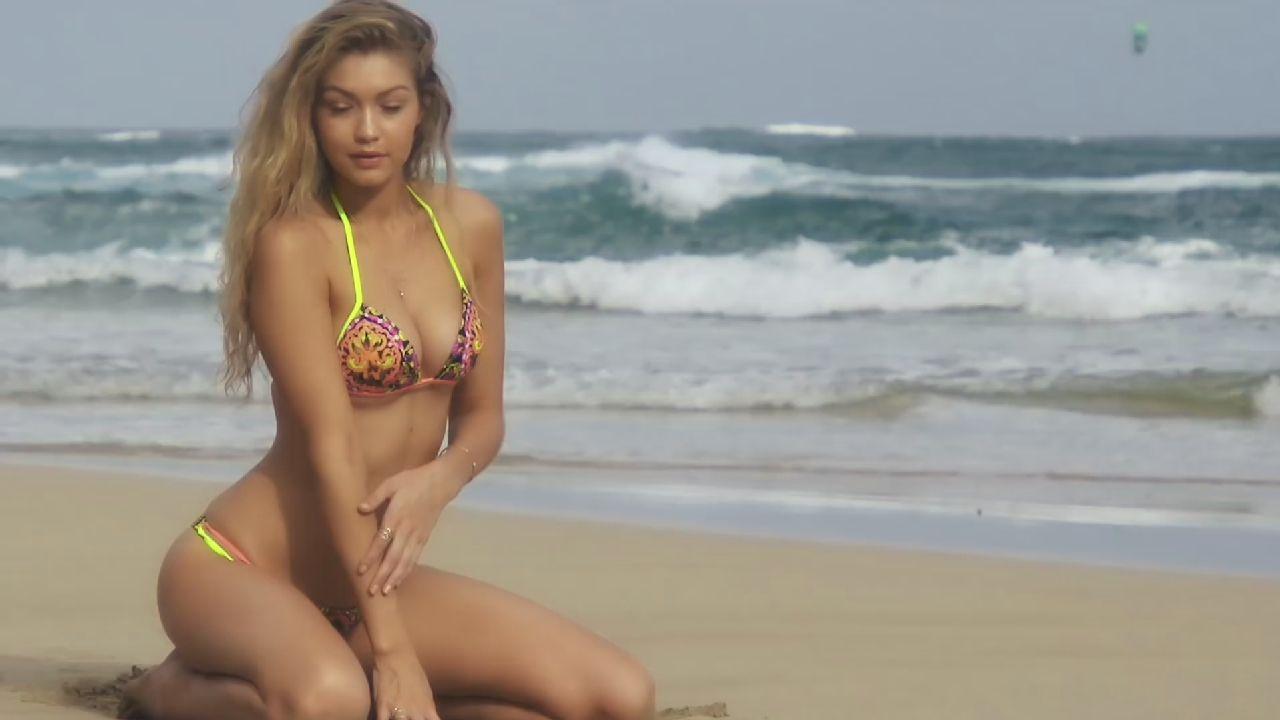 Gigi Hadid in Bikini (19 Photos)