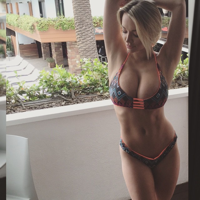 Lindsey Pelas in Bikini (5 Photos)
