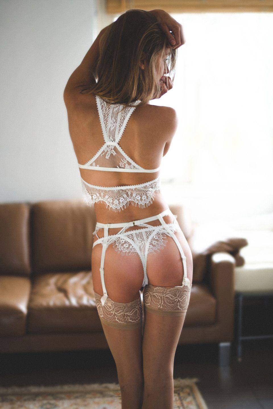 Marisa Papen Topless (6 Photos)